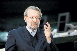 لاریجانی با صراحت گفت: حالا مگر چه اشکالی دارد احمدینژاد شما را جابهجا کند تا این مساله حل شود.