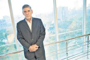 ابراهیم بهادرانی از مدیریت بودجه در شرایط کاهش قیمت نفت میگوید