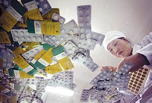 علاوه برواردات چند نوع آنتیبیوتیک، سال گذشته 9/4میلیون دلار ماده اولیه تولید پنیسیلین وارد کشور شد