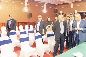 پنجشنبه 28 آبان - بیژن زنگنه و امیرحسین زمانینیا در حال بازدید از محل برگزاری اجلاس