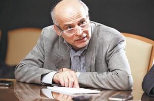 به گفته جوادیان، مدیر حفاری پتروپارس، انتظار میرود تولید زیادی از سکوی C فاز 12 صورت نگیرد.