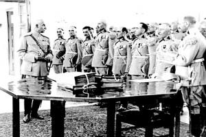 با تشکیل ارتش، رضاخان برای آن به سربازگیری پرداخت. واژه «اجباری» یادگار آن دوران است.