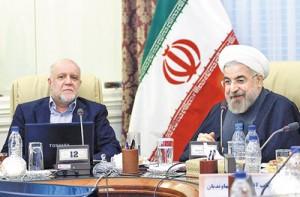 در بازدید روحانی از وزارت نفت، زنگنه افزایش صادرات نفت را از اهم موفقیتهای دوره وزارت خود برشمرد