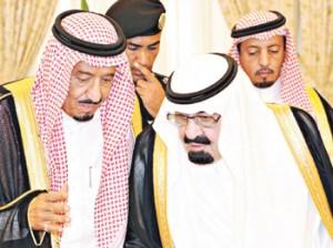 ملک سلمان (سمت چپ) که به تازگی پادشاه عربستان شده است،