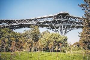 پل طبیعت تهران توسط یکی از زیرمجموعههای قرارگاه خاتمالانبیا ساخته شده است.