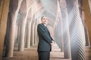 علی طیبنیا از دو مشکل عمده اقتصاد ایران و چشمانداز رشد و تورم در سال 1395 میگوید